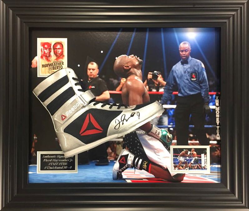 Misterioso Petrificar chico  Floyd Mayweather Signed Reebok Boxing Boot In Frame C.O.A - The Memorabilia  Team