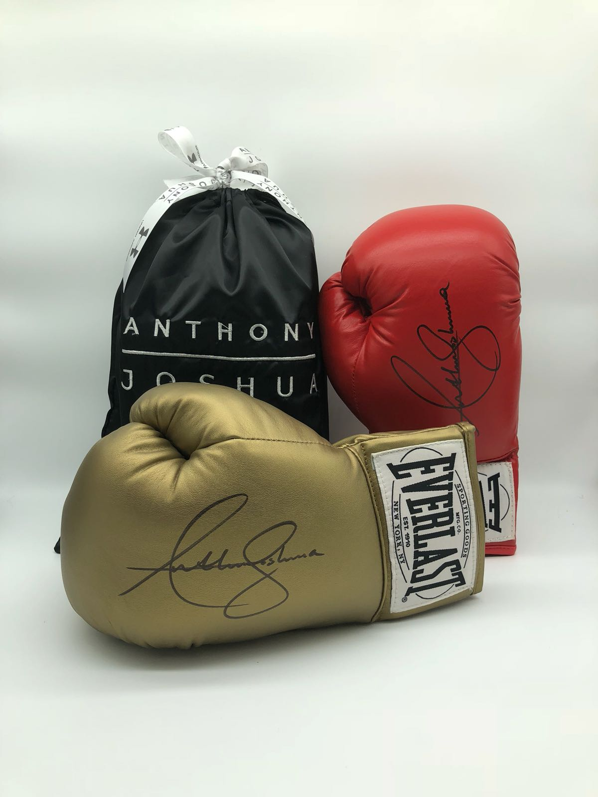 Anthony Joshua signed Gold Boxing Glove comes in AJ dust bag & C O A